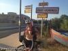 thumbs img 1760 Mexhibant en lingerie rouge sur la route