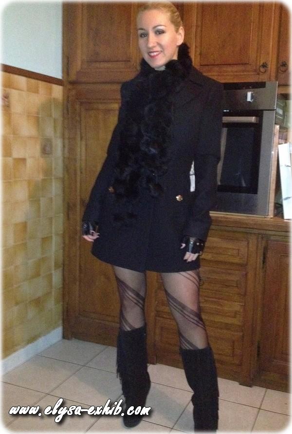 250212 Nue sous mon manteau
