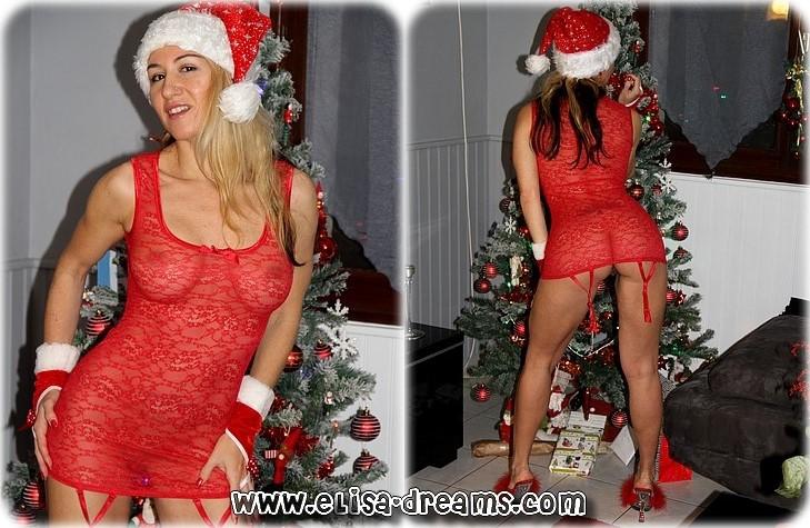 0013 Mama Noël sexhibe et se gode dans la nature
