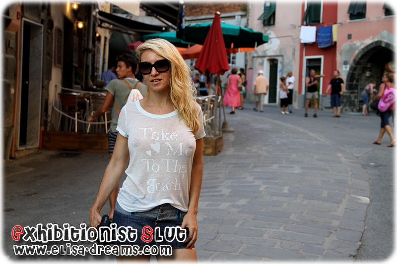 009 Mexhibant en public en Italie