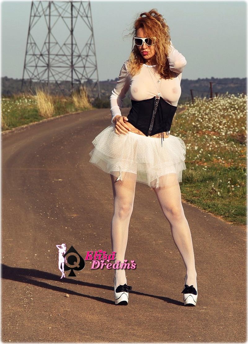 Image0015 Fotor Mexhibant avec mon tutu sur la route
