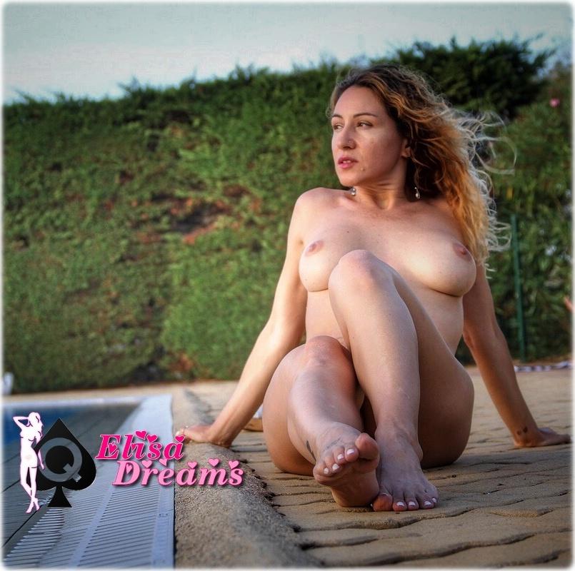 IMG 0943 Posant nue dans une des piscines du Cap!