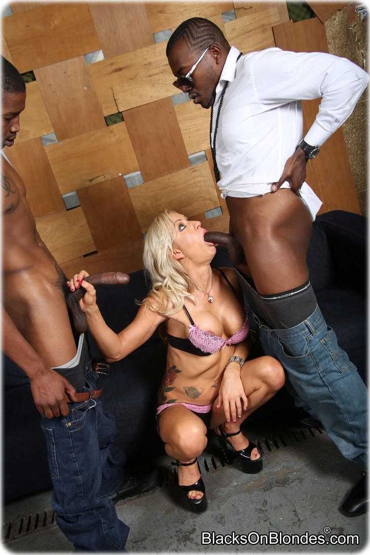 0571 Zoey Portland gets gangbanged by several black men