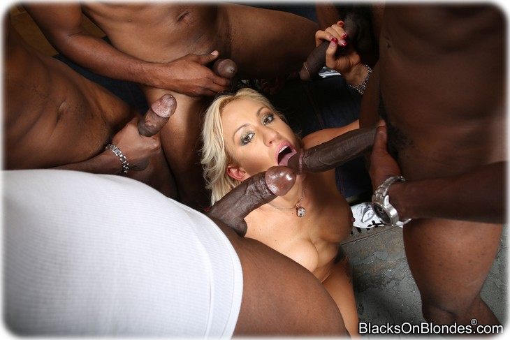 236 Zoey Portland gets gangbanged by several black men