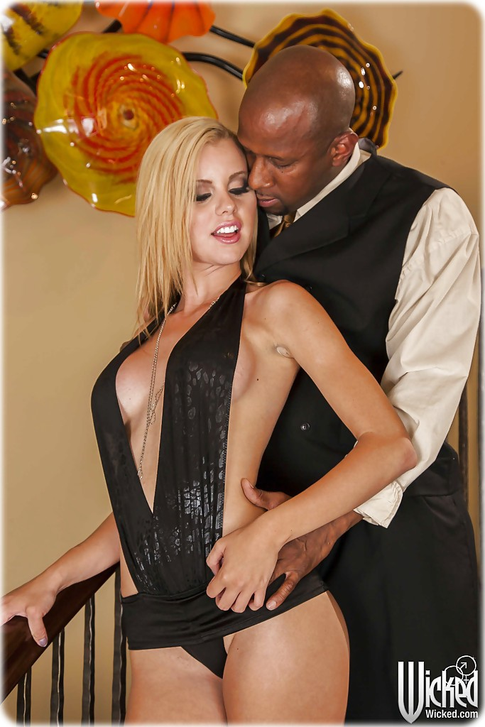 jessie rogers 01 Jessie rogers gets fucked by a black guy