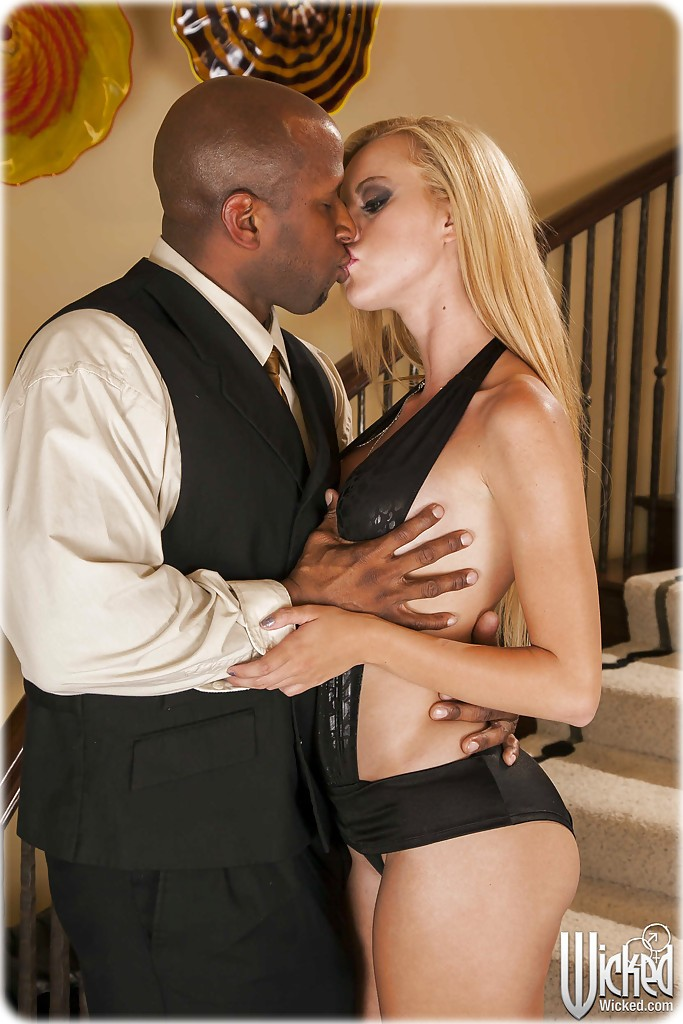 jessie rogers 02 Jessie rogers gets fucked by a black guy