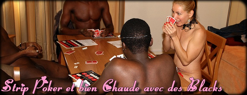 Une colire joue au strip poker avec ses amis sur MrSexe