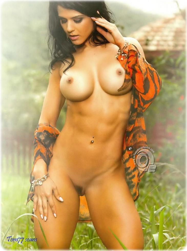 8a31n7vc2ck5 Eva Andressa nue pour le magazine sexy