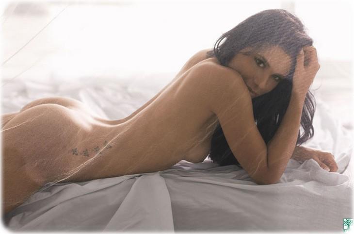 chk4fswn04y1 Juliana Knust nue pour Playboy