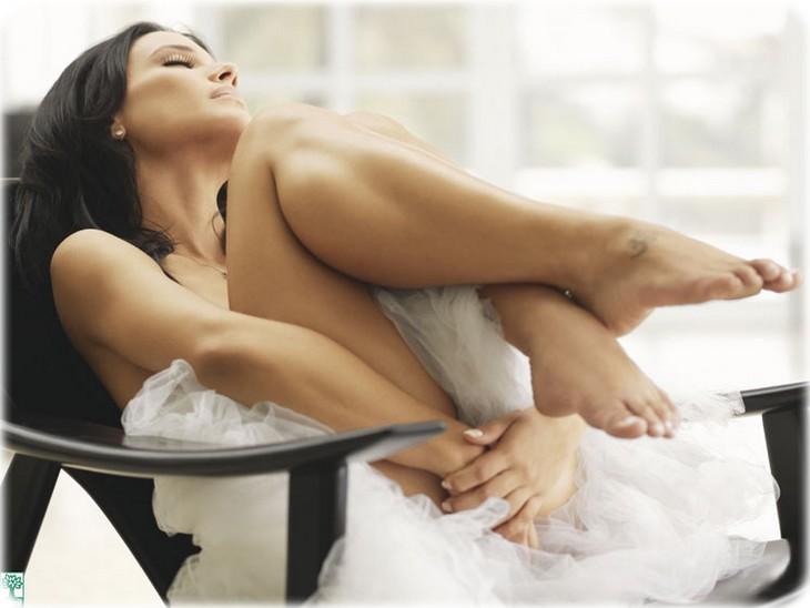 uh0c2a4gbsfc Juliana Knust nue pour Playboy