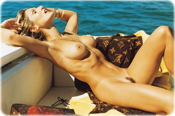 flavia alessandra 14 Flavia Alessandra nue pour Playboy Brésil