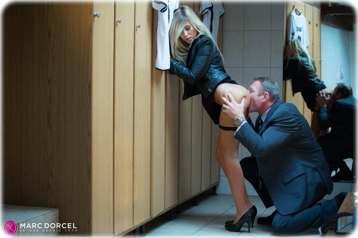 W7B5654 Lola Reve sodomisée dans les vestaires